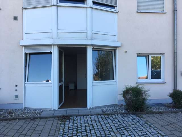 1 Zimmer Wohnung mit Kellerraum und Außenstellplatz in Günzburg in Günzburg