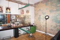 Friseurladen mit kompletten Inventar zu