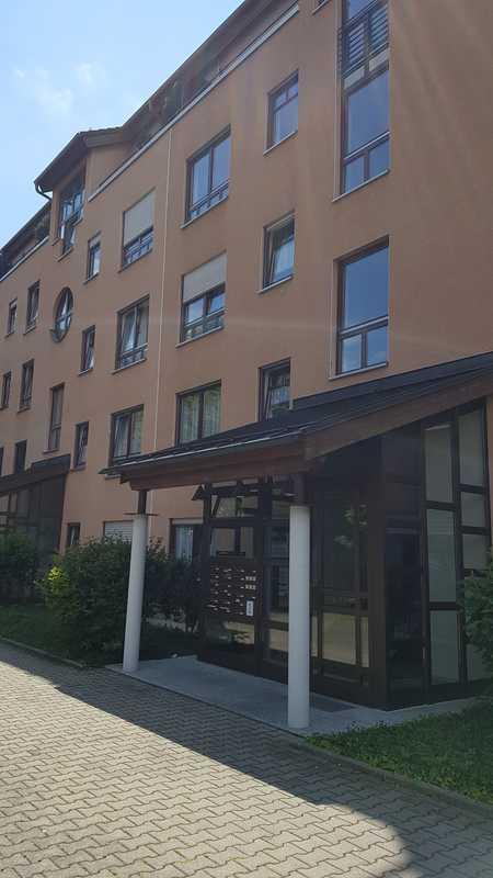 Stilvolle, gepflegte 2-Zimmer-Wohnung mit Balkon und EBK in Augsburg in Göggingen