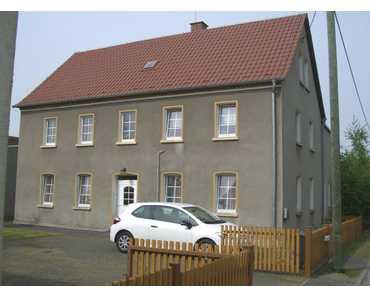 …teilsanierter Resthof mit Nebengebäuden ! in Falkenhain