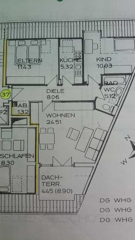 Gepflegte 3-Zimmer-Dachgeschosswohnung mit Süd-West-Balkon und EBK in Stadtbergen in Stadtbergen