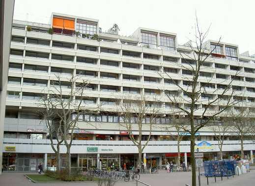 Bequemes Wohnen direkt am AEZ Frei gelieferte 2 Zimmer Wohnung mit großem Süd-Balkon