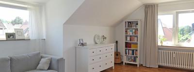 Sehr schöne und helle 2-3 Zimmer-Wohnung mit Gäste-WC und Pkw-Stellplatz in B.O. Süd/Dichterviertel