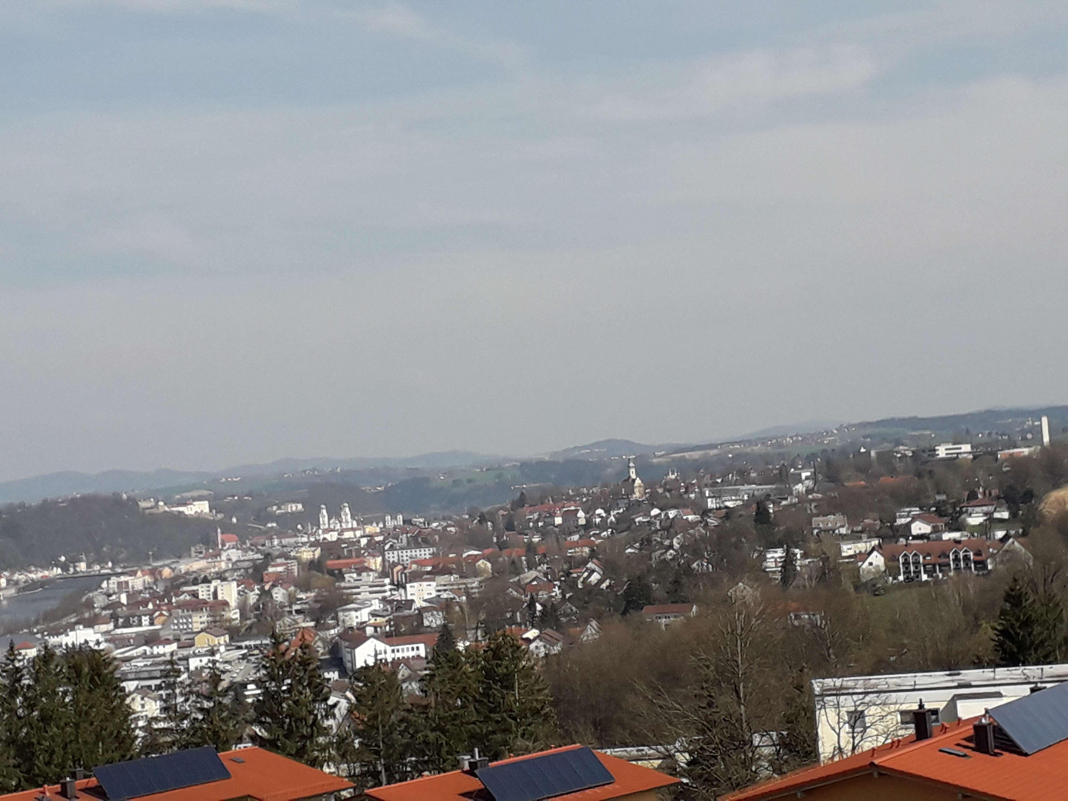 Gepflegte 2-Zimmer-Wohnung mit Balkon und Einbauküche in Passau