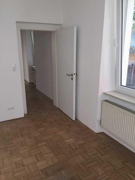 wohlfühlen: 3-Zi, EBK, Bad, kleiner Garten, Innenstadt in Augsburg-Innenstadt