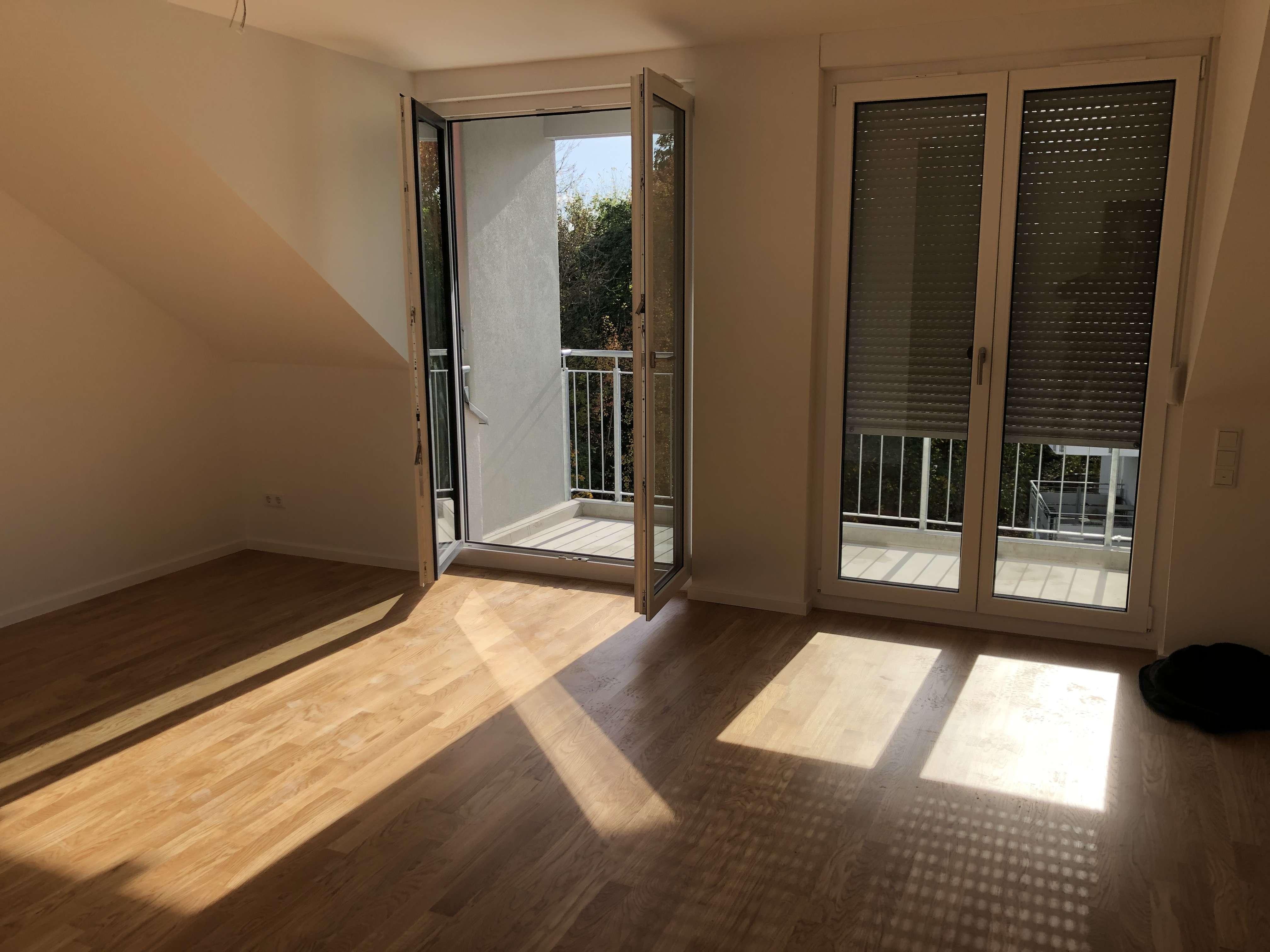 Erstbezug: helle 3-Zimmer-Dachgeschosswohnung mit EBK und Balkon in Forchheim in Forchheim (Forchheim)