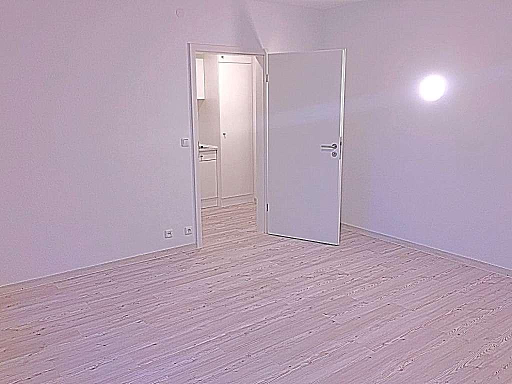 Sonnige 1-Zimmer-City-Wohnung mit Kompakt-Küche und Balkon in Nürnberg in Ludwigsfeld