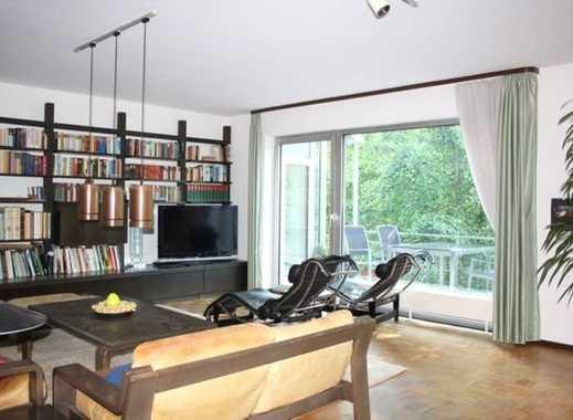 Grozgiges Zitraumhaus Mit Viel Platz Licht Und Glas Sowie Garagen With Haus  Mit Viel Glas.