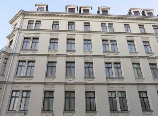 Erstbezug nach exklusiver Sanierung: elegante 2-3 Zimmerwohnungen mit Einbauküche