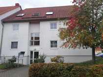 Preiswerte vollständig renovierte 2-Zimmer-DG-Wohnung mit