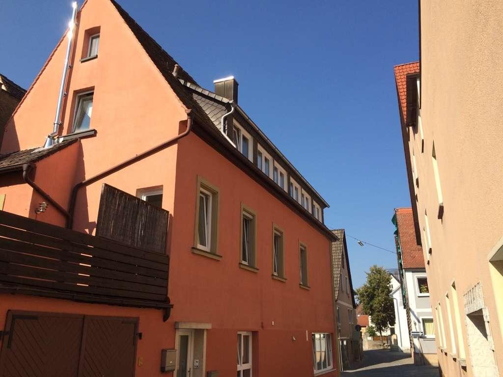 Wohnen in ruhiger Lage direkt in Neustadt (nähe Marktplatz), renovierter Altbau, 1.OG