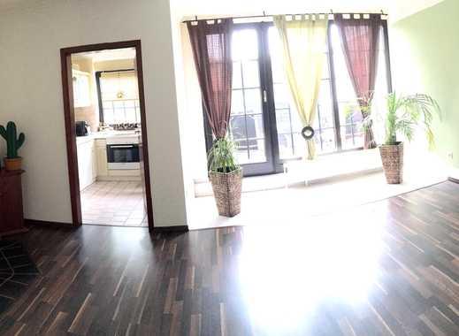 Wunderschöne 3 Zimmer-Maisonette-Wohnung mit offenen Kamin, Balkon und Stellplatz