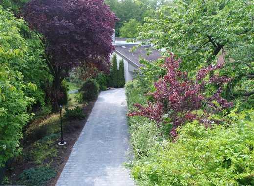 Geräumige Villa mit Pool und Sauna in sehr ruhiger Waldrandlage