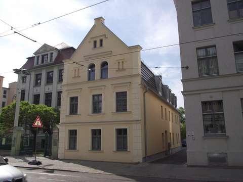 Geraumige 2 Raum Wohnung Im Altbau Mit Balkon