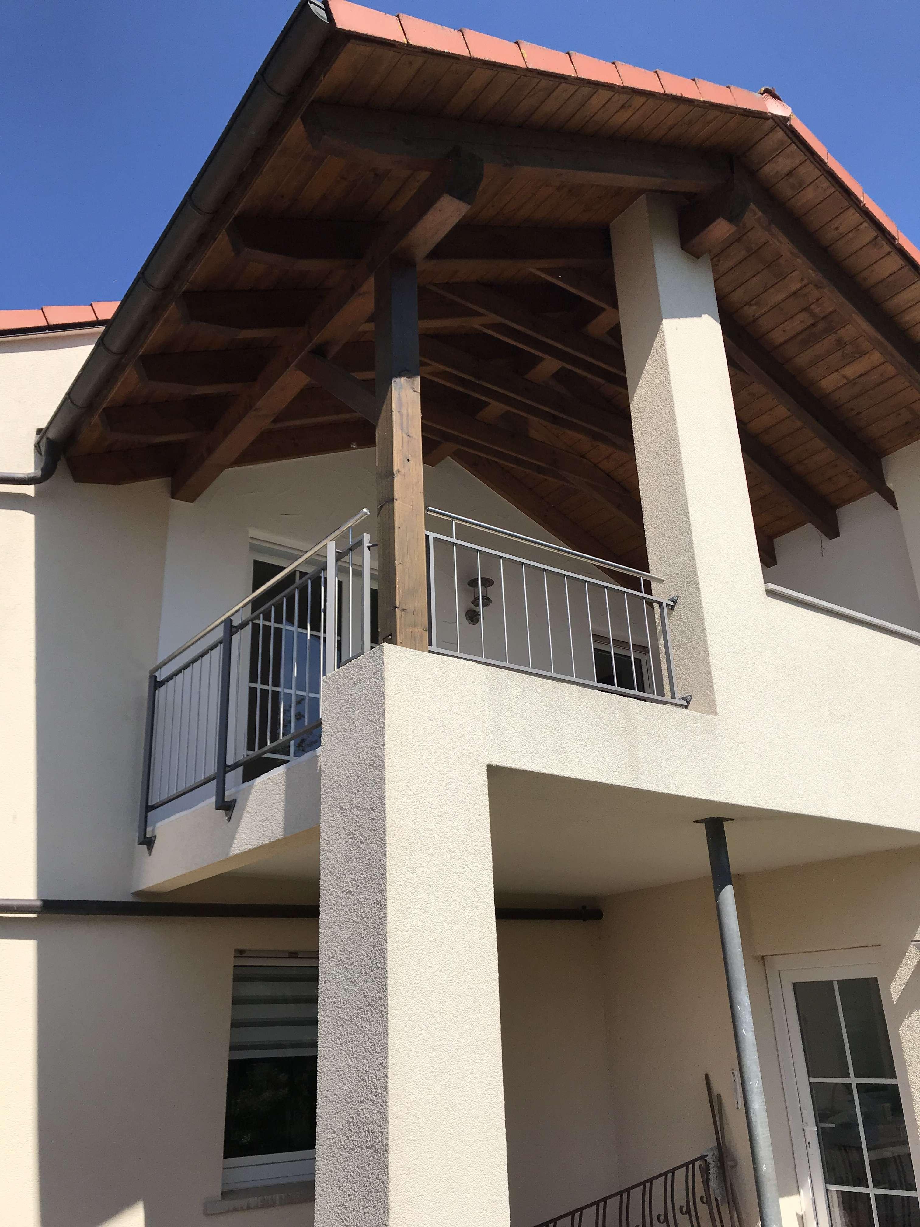 Wohnen in Wasserlos:  Attraktive  3-Zimmer-Wohnung mit Balkon und hochwertiger Einbauküche