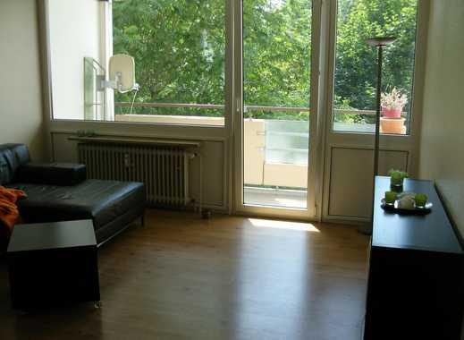 25 qm Zimmer mit eigenem Balkon  in 87 qm 2er WG mit zweitem Balkon, 2 Bädern WARMMIETE! DIREKT am P
