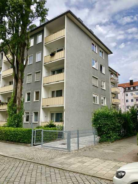 ***Großzügige, schöne 2-Zimmer-Wohnung mit 2 Balkonen, mitten in Neuhausen ab 01.02.2021 zu vermiete in Neuhausen (München)