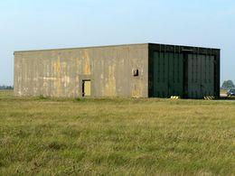 Geb.88 Tankwagen-Schutzbau