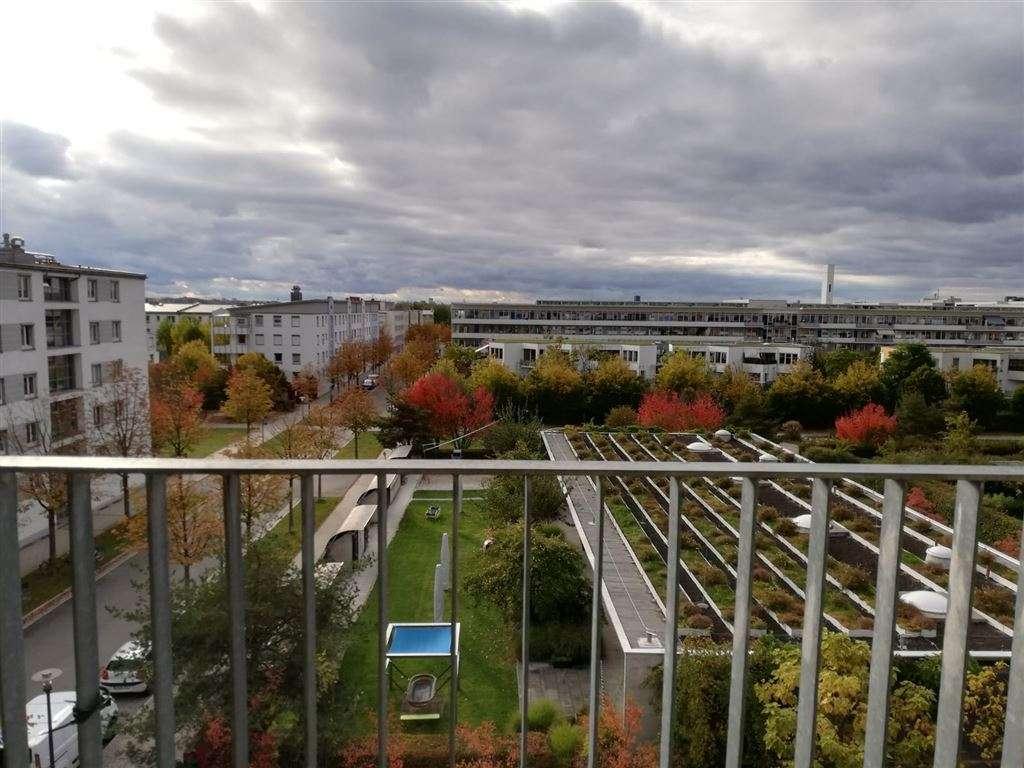 gut geschnittene 2-Zimmer-Wohnung mit West Balkon im 4.OG mit Fernblick in Riem