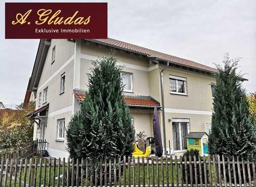 Anspruchsvolle Doppelhaushälfte mit Einliegerwohnung in bevorzugter Lage ( südlich von Ingolstadt )