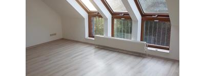 Preiswerte 3-Zimmer-Dachgeschosswohnung mit gehobener Innenausstattung in Stemwede