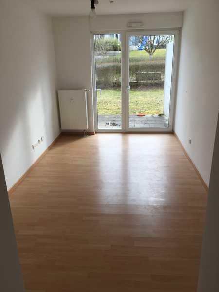 1-Zimmer-Appartement mit Terrasse - nur für Studenten und Azubis in Galgenberg (Regensburg)