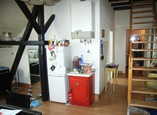 Brühl - Zentrum, 4-Zimmer Dachgeschoss-Maisonette in saniertem Altbau, ohne Balkon und Aufzug