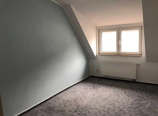 Neustadt, gepfl. 2,5-Zimmer-DG-Wohnung mit Balkon