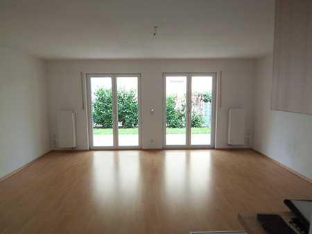 Exklusive, geräumige und gepflegte 1-Zimmer-Wohnung mit Terrasse und EBK in Ingolstadt in Etting