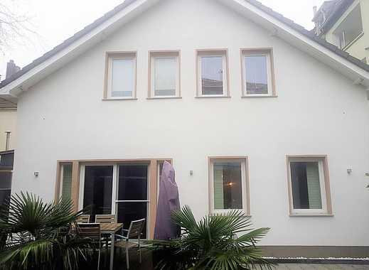 ! Einfamilienhaus kernsaniert + schicker Einliegerwohnung, Sauna und Außen-Whirlpool !
