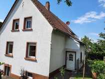 Gepflegtes freistehendes Einfamilienhaus mit Eigentumsgrundstück