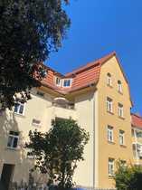 helle und geräumige Dachgeschosswohnung mit