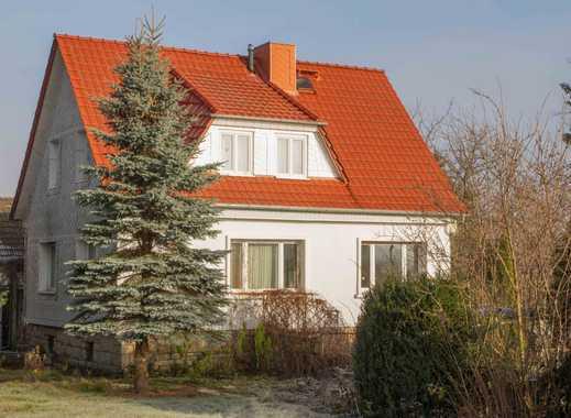 Freistehendes EFH mit Nebengebäude und großem Grundstück