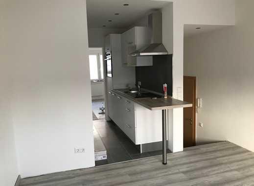 Erstbezug nach Sanierung: Topsanierte 2-Zimmer-Wohnung mit EBK in Böblingen