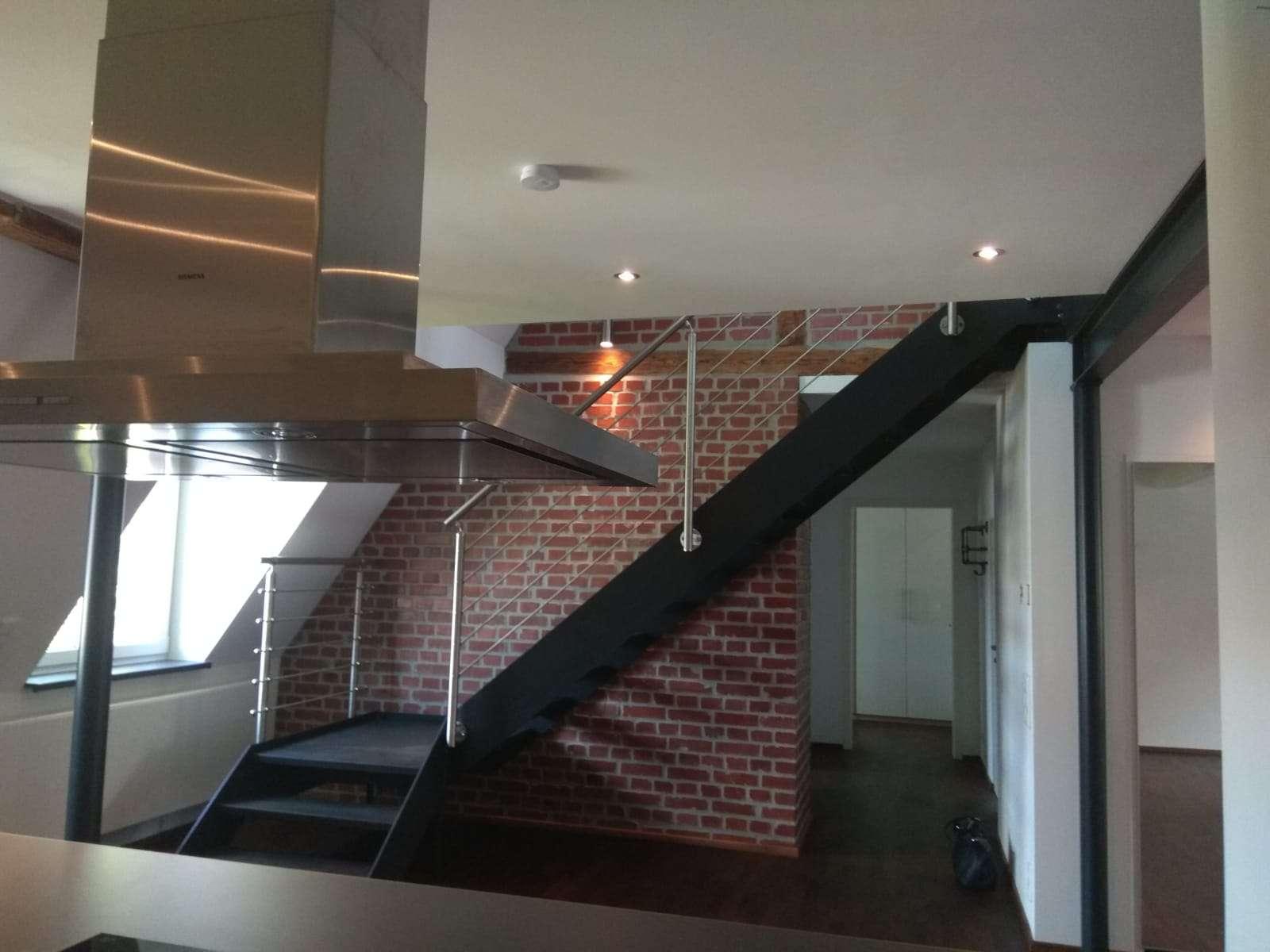 Sanierte 2,5-Zimmer-Maisonette-Wohnung mit Balkon und Einbauküche in Nürnberg