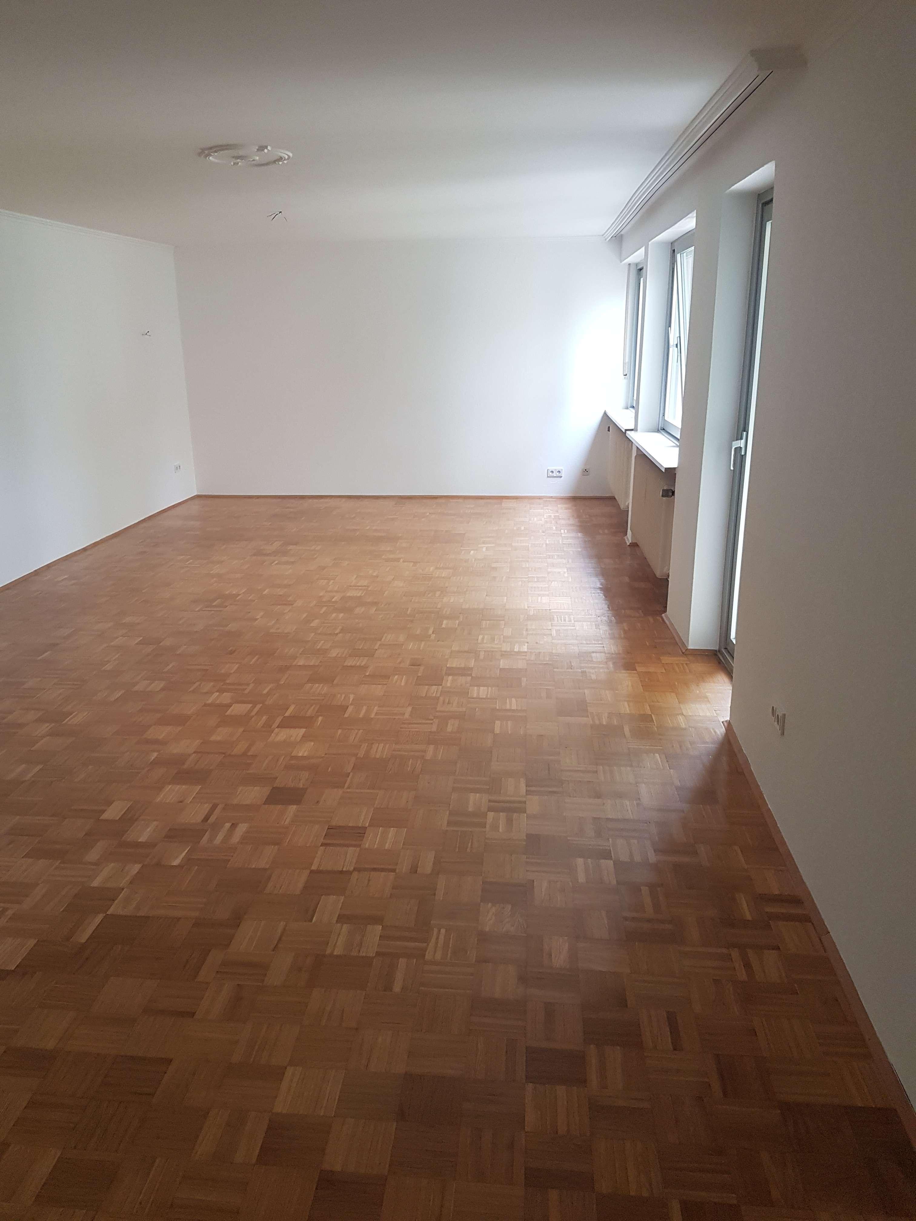 Gepflegte 4-Zimmer-EG-Wohnung mit Küchen-Balkon und Terrasse in Obergiesing/Harlaching, München.