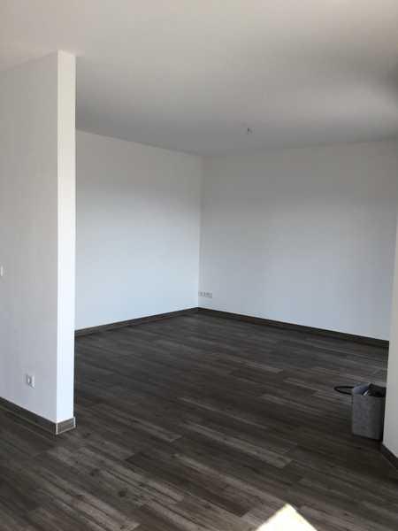 Schöne vier Zimmer Wohnung mit Süd Balkon in Mainaschaff in Mainaschaff