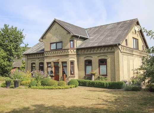 Imposanter Resthof mit großzügigem Platz-/Raumangebot & kleiner Hausweide!