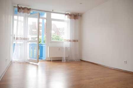 Gepflegte 2-Zimmer-Erdgeschosswohnung mit Balkon und Einbauküche in Bayreuth in Roter Hügel/Oberobsang/Unterpreuschwitz (Bayreuth)