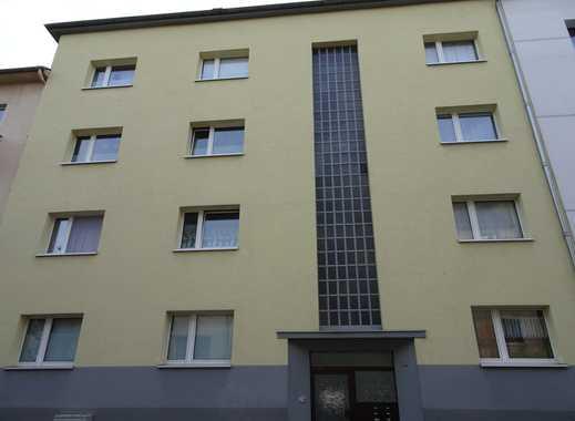 Schöne, helle 78qm große Wohnung in gepflegtem 8 Familienhaus, 1.OG