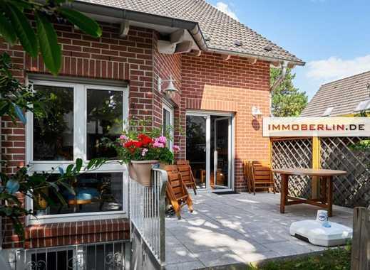IMMOBERLIN: Sehr gepflegte Doppelhaushälfte mit Südgarten in familiärer Lage
