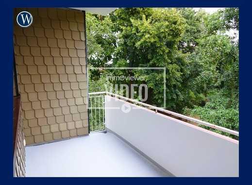 … mit Balkonblick ins Grüne, einziehen + WOHNFÜHLEN: 4 Zimmer, RENOVIERT, neues Bad + neuer Boden
