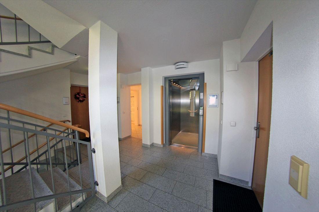 2-Zimmer Erdgeschoss Whg. mit kleiner Terrasse, Bergblick und TG