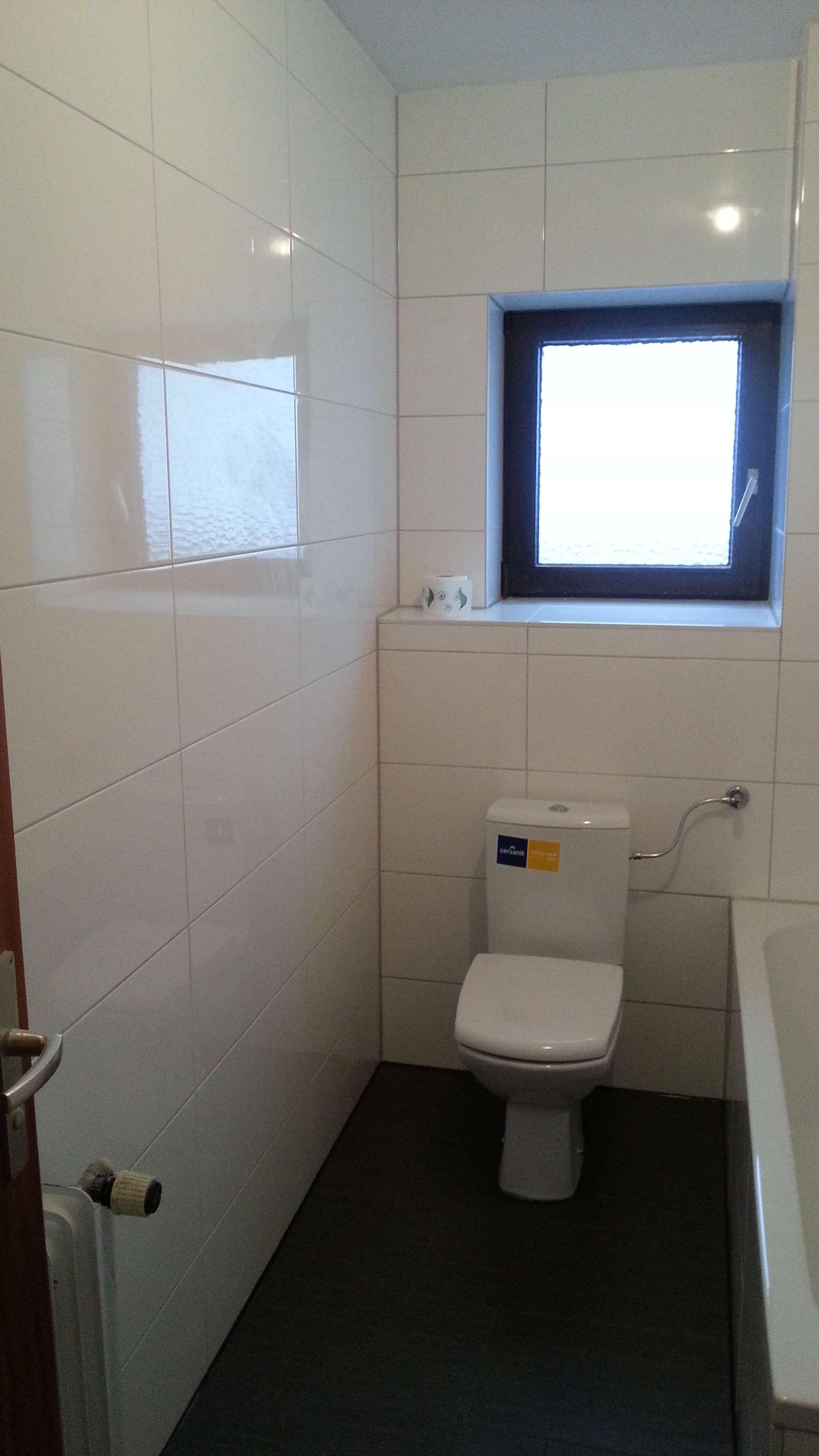 Exklusive, sanierte 2-Zimmer-Wohnung mit Balkon in Augsburg in