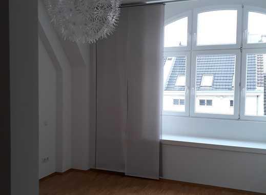Gepflegte 3-Zimmer-Maisonette-Wohnung mit Balkon und Einbauküche in Mönchengladbach