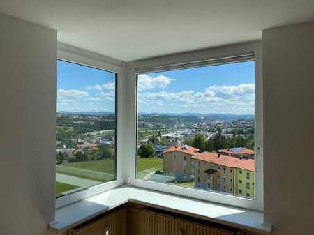 Leben im Adlerhorst! Gepfl. 3-Zi-Whg. mit Balkon in ruh. Stadtlage, oberste Etage mit Fernblick! in Haidenhof Nord (Passau)