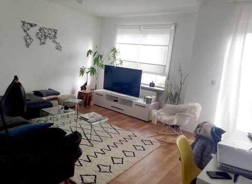 Großzügige 2,5-Zimmer-DG-Wohnung auf 2 Ebenen mit Einbauküche, Balkon und Garage!