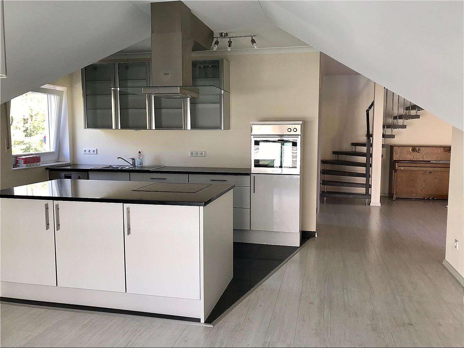 Neuwertig Maisonette-Wohnung mit EBK und Garage in bester Wohnlage in Alzenau