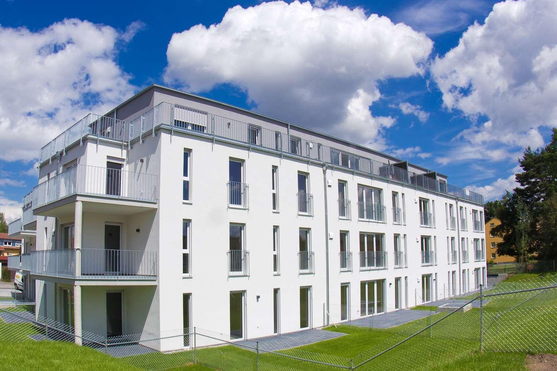 Neuwertige 2-Zimmer-Wohnung mit Balkon und Einbauküche in Burglengenfeld in