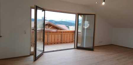 Erstbezug: freundliche 3-Zimmer-DG-Wohnung mit Balkon in Seeg in Seeg (Ostallgäu)